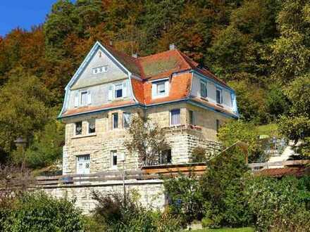 Romantische Landhausvilla in toller Südhanglage von Burladingen-Gauselfingen