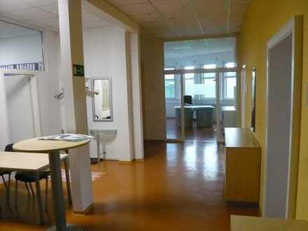 Zwei helle Büroräume im Gewerbegebiet nähe Autobahn A96