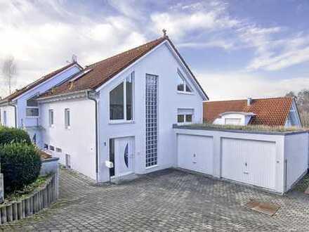 Schmuckstück im Grünen: Doppelhaushälfte mit Loft-Charakter