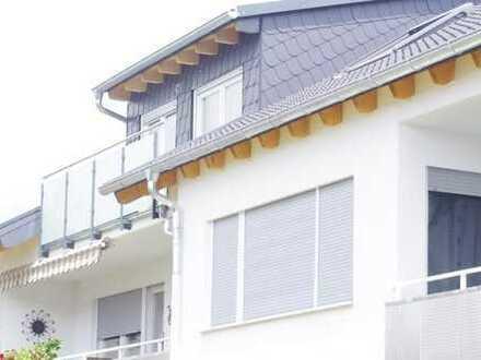 Dachgeschossaufbau! Neu! 4-Zi Wohnung mit Loggia in ruhiger Lage
