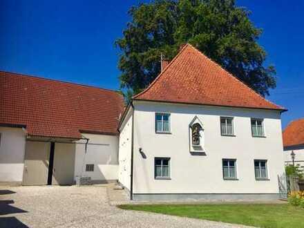 Schönes Einfamilienhaus mit großzügiger Scheune in 89343 Jettingen-Scheppach!