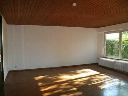 Schöne Doppelhaushälfte mit sechs Zimmern in Neuhausen auf den Fildern