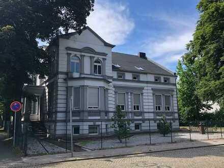 Forst Lausitz 4 Zimmer Wohnung modernisiert mit Garten und Stellplätzen