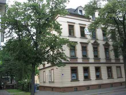 2-Raumwohnung mit großem Balkon und Stellplatz