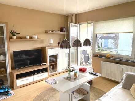 Helle 2 Zimmer Wohnung mit Balkon und Einbauküche