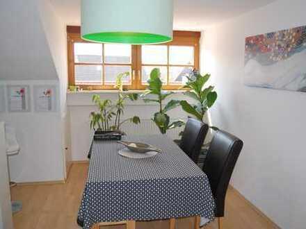 Helle 2,5 Zimmer DG-Wohnung in Alt-Kissing mit Dachterasse