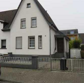 Kernsaniertes, geräumiges Haus in Bahnhofsnähe (7 Min. Fußweg), Kerpen-Horrem