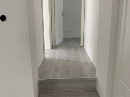 Freundliche, vollständig renovierte 3-Zimmer-Wohnung zur Miete in Mönchengladbach