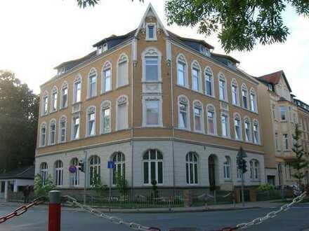 Guck mal an ! Gemütl. 4-Zi-Altbauwohnung in Alfeld, zentrale Lage !
