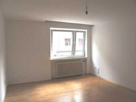 2-Zimmer-Wohnung mit Balkon und EBK in Schwanthalerhöhe, München