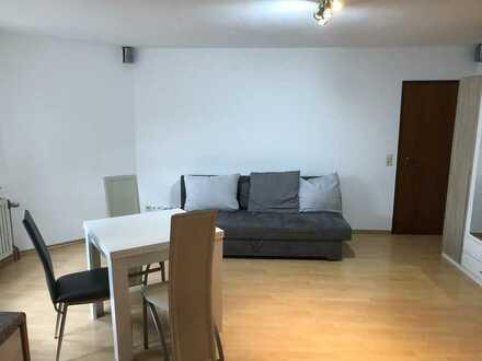 Gepflegte Erdgeschosswohnung mit einem Zimmer und Einbauküche in Neuffen