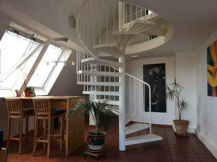 Moderne Penthouse Maisonette Wohnung mit Charakter