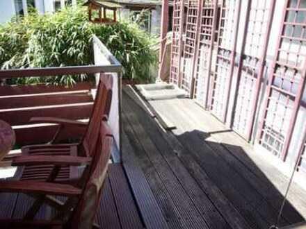1.350 € (warm), 90 m², 2,5 Zimmer + 2 Dachterrassen