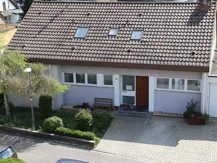 Einfamilienhaus – in bevorzugter Halbhöhenlage in Wendlingen am Neckar!