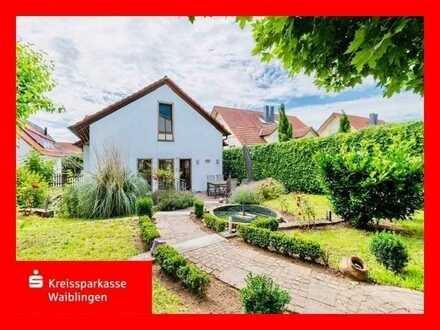Schönes, freistehendes Einfamilienhaus mit terrassenförmigem Garten!