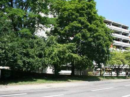 Schöne 4-Zimmer-Wohnung mit Südbalkon und Bergblick direkt am Olympiapark von Privat