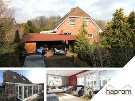Top Ausstattung: Einfamilienhaus inkl. Sauna, Wintergarten, Carport, Kamin