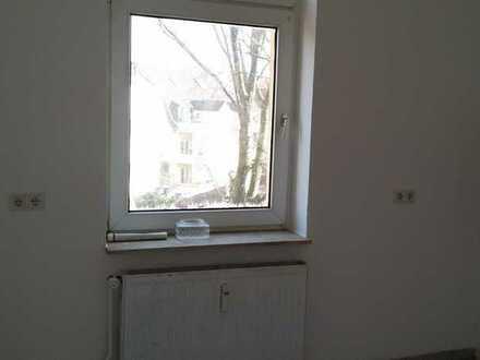 3 Zim.Whg voll renoviert, 67 qm, hell mit Glas-Duschkabine