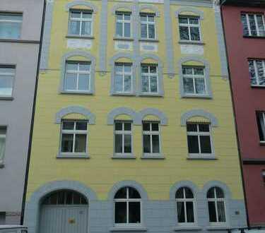 Schöne zwei ZimmerKDB-Wohnung in zentralem Ostparkviertel -WG-geeignet-