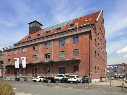 Mitten im Innenhafen von Duisburg *** Traumhafte Fläche in altem Fabrikgebäude
