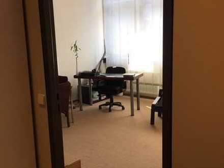 Gepflegte 1-Zimmer-Wohnung mit Einbauküche & Teilmöblierung in KA - Neureut