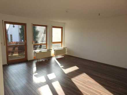 Großzügige 2 Zimmer Wohnung mit Balkon