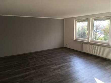 Attraktive, sanierte 2-Zimmer-DG-Wohnung zur Miete in Nordenham