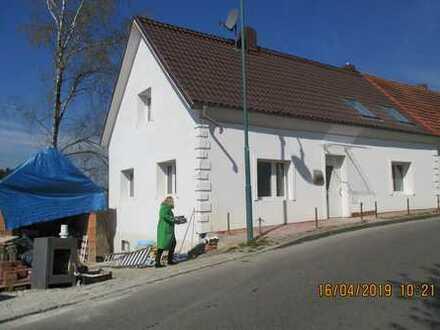 Schönes Wohnen auf ca. 2000 m²(auch Teilbar) Grund in komplett saniertem 1-Familienhaus bei Aichach