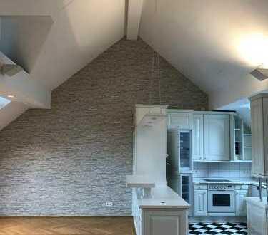 Großzügige Maisonette mit Blick auf den Taunus in ruhiger Wohnlage