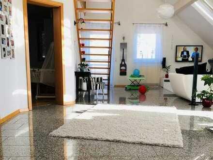 3,5-Zimmer-Maisonette-Wohnung mit Studio und Gartenanteil in Freiburg-Waltershofen