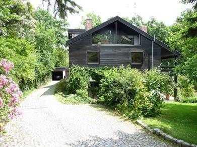 Tolle 3 Zimmer-Wohnung in ruhiger und grüner Lage! + ca. 30 qm Balkon