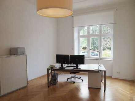 2 schöne, helle Räume in Bürogemeinschaft am Prinzregententheater