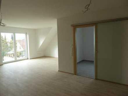 Erstbezug mit Balkon: attraktive 3-Zimmer-Dachgeschosswohnung in Mertingen