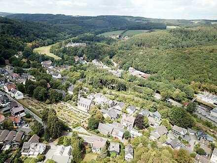 AUKTION: 3.805 m² großes unbebautes Grundstück