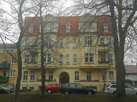Großzügige 1-Zimmer-Wohnung in stilvollem Altbau direkt an der Stadtmauer