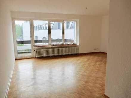 Vollständig renovierte 3-Zimmer-Wohnung mit Balkon im Zentrum von Altenessen.