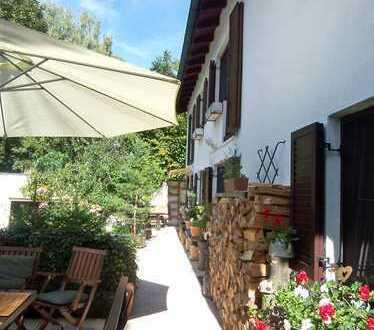 Traumhaft gelegenes und sehr charmantes Haus in Seenähe mit verschiedenen Nutzungsmöglichkeiten