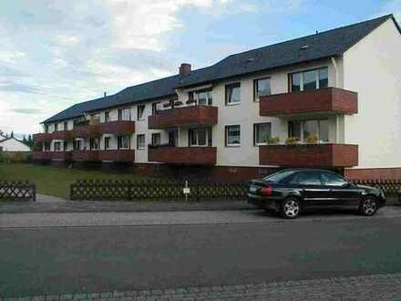 Top 2 - Zi.- Wohnung in gepflegter Wohnanlage mit Balkon u. Einbauküche