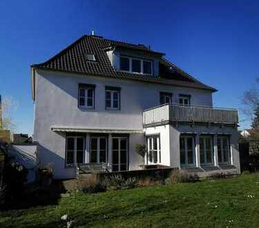 """Im Charme der """"Dreißigerjahre"""" Villa in bester Lage am Schweinfurter Hochfeld zu vermieten"""