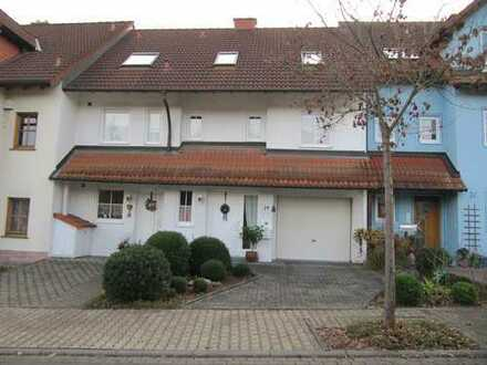 Gepflegte 5-Zimmer-Hochparterre-Wohnung mit Terrasse in Hösbach OT