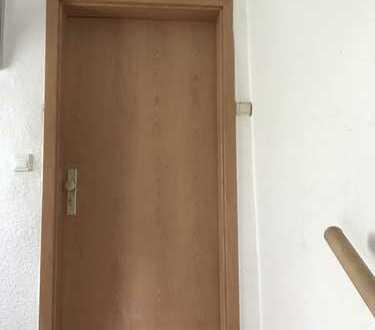 3 Zimmer, Küche und Badezimmer im 1. Obergeschoss!