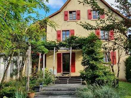 Traumhafte Doppelhaushälfte mit großem Garten