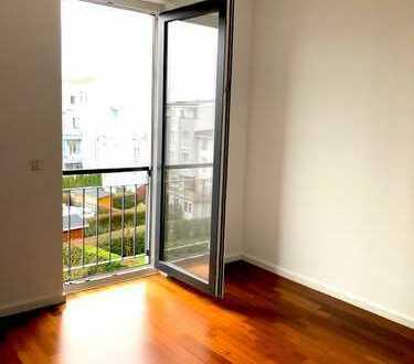 * RIEDBERG PUR * Wunderschöne 3- Zimmer Wohneinheit, 93qm, Küche, Barrierefrei *AB 50 JAHREN*
