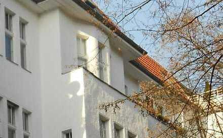 Sonnig ruhig - City-Apartment - Balkon u. Aufzug urbaner Lage nahe Bayerischer Platz - bezugsfrei !