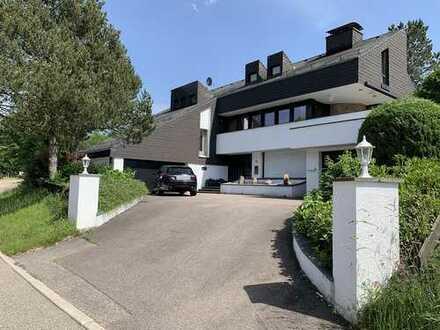Hochwertiges Schwarzwaldhaus im Jagdhausstil samt ELW, Garten, Terrassen, Balkon, Schwimmhalle...