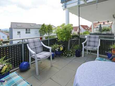 Traumhafter Blick! Mietwohnung mit großem Balkon und Einzelgarage