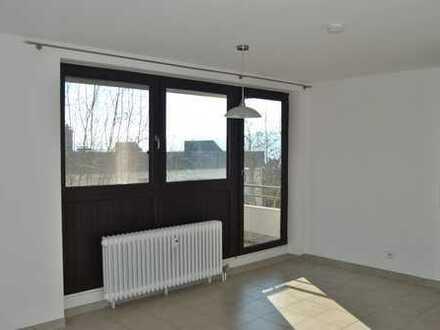 Helle 1 Zimmer Wohnung mit Kochnische, Balkon und TG-Stellplatz
