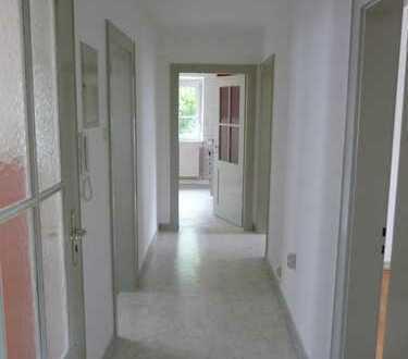 Schöne 3-Raum-Wohnung mit EBK und Balkon in Ravensburg