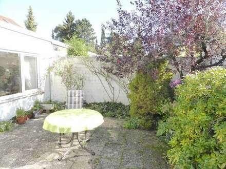 Gepflegter Bungalow mit idyllischem, sonnigen Gartenhof in schöner, ruhiger Wohnlage