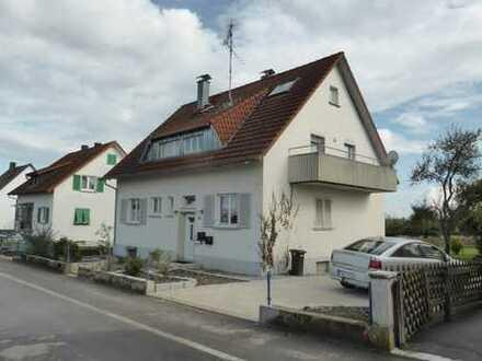 Gepflegte 4,5-Zimmer-Maisonette-Wohnung mit Balkon und Einbauküche DSL 16mb in Meßkirch